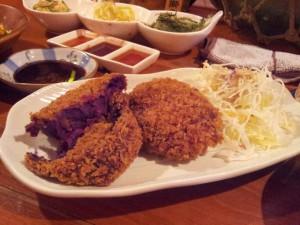 紫芋のコロッケ